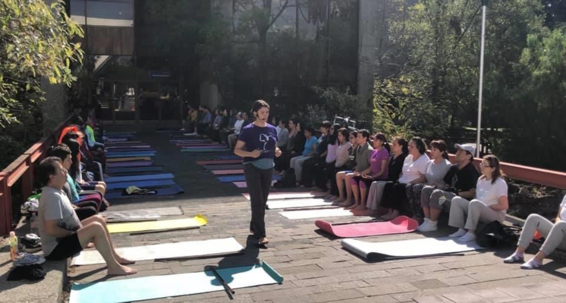 <p>Clase de Yoga Dominical</p>