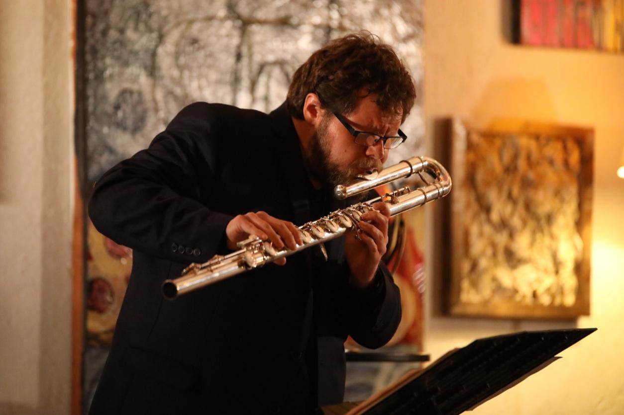 <p>Laboratorios sonoros /Willy Terrazas, compositor</p> <p></p>